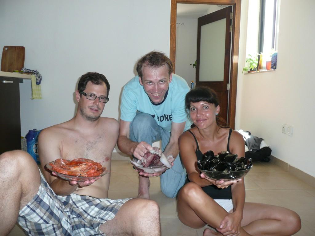 Krevety, slávky a olihně