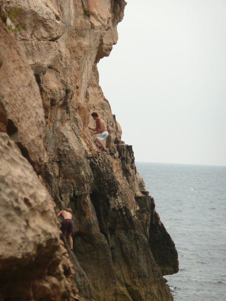 Bouldering - Blue Grotto